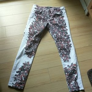 Joe's jeans white skinny ankle jeans with design